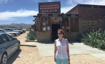 Entering Pappy and Harriet's Pioneertown Palalce