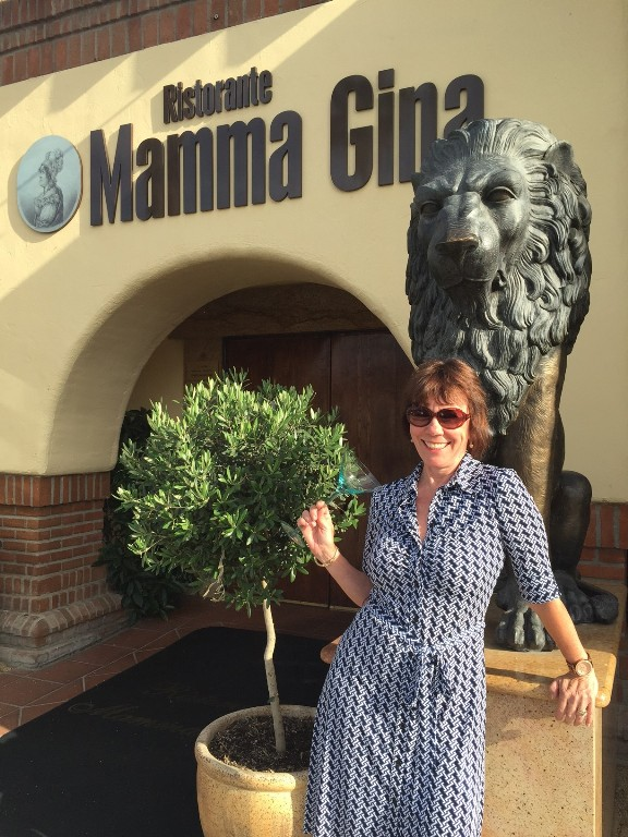 Mama Gina happy hour